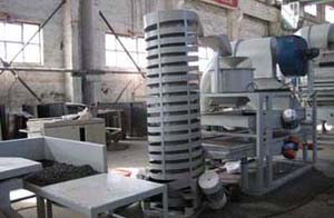 tung seed dehulling and separating machine.jpg